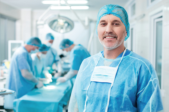 http://www.medquimheo.com.br/wp-content/uploads/2016/07/cirurgiao.jpg
