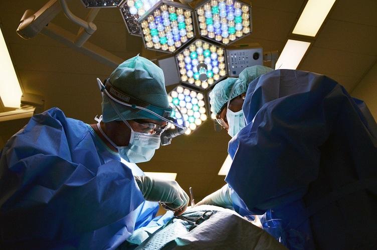 cirurgiao-plastico.jpg